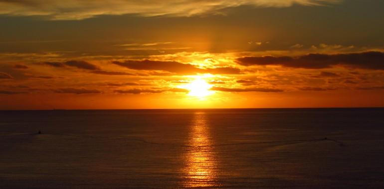 Sončni vzhod na morju